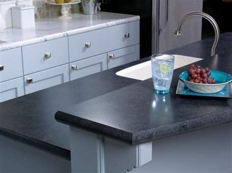 Wilsonart Calcutta Marble and Black Alicante crescent