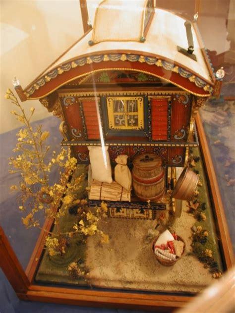 ullabenulla miniature gypsy wagon