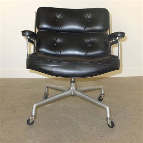 1960s time lobby chair by charles eames for herman