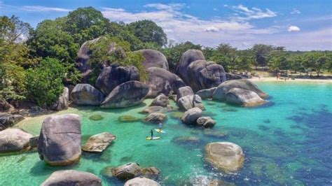 pantai tanjung tinggi indahnya wisata alam  bangka belitung