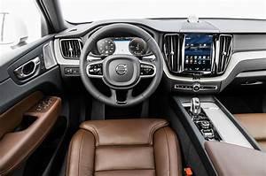 2018 Volvo XC60 T8 Inscription Dashboard Motor Trend