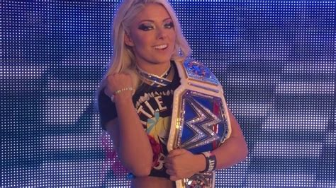 Wwe Star Alexa Bliss Denies Naked Images Leaked Online Are