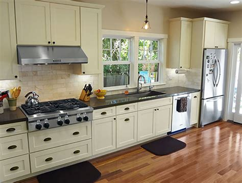 Kitchens With White Cabinets by White Shaker Cabinets Kitchen Remodeling