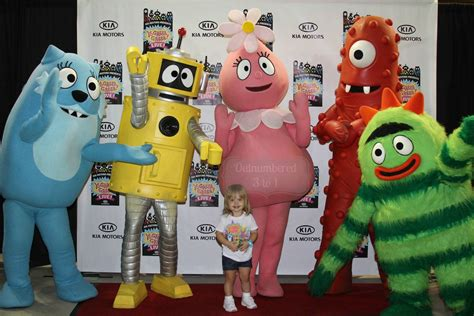 Gabba Gabba Live - yo gabba gabba live get the sillies out tour orlando