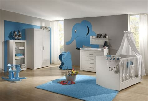 chambre garcon bleu gris tapis chambre bébé idées de déco sympa et originale