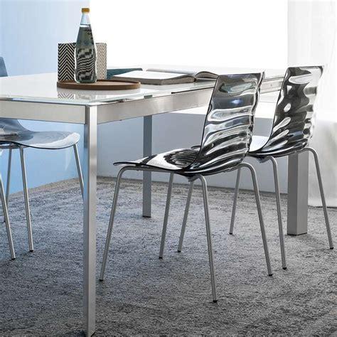 chaises en plexiglas chaise design en plexi eau calligaris 4 pieds tables