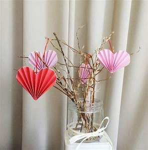 19 Easy DIY Paper Decorations For Valentine's Day ...