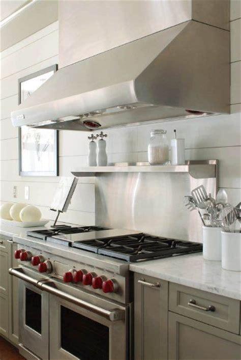 gray kitchen cabinets benjamin kitchens benjamin gettysburg gray white plank 6905
