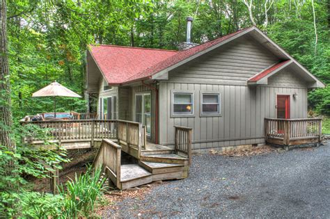 beech mountain cabin rentals treetop chalet 950 country living vacations banner elk