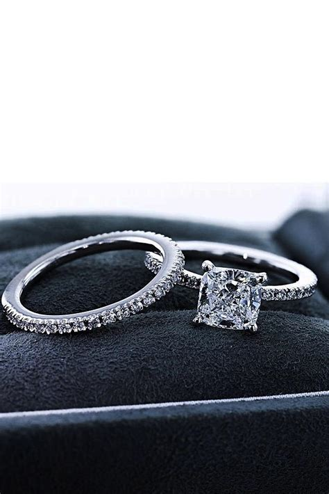 inspiring  brilliance wedding ring sets