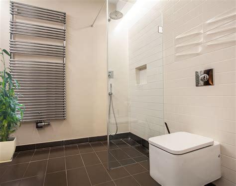 Schwarze Flecken In Der Dusche by Dusche Reinigen Fliesen Fugen Und Duschkabine Ratgeber