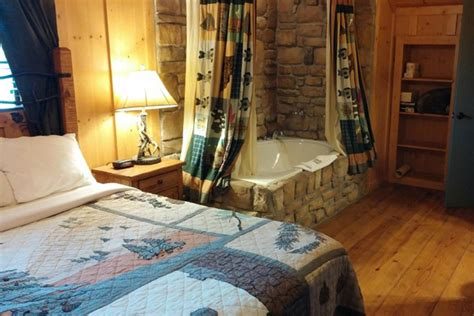 cabins at green mountain 199 branson 3 days cabins at green mountain rooms 101