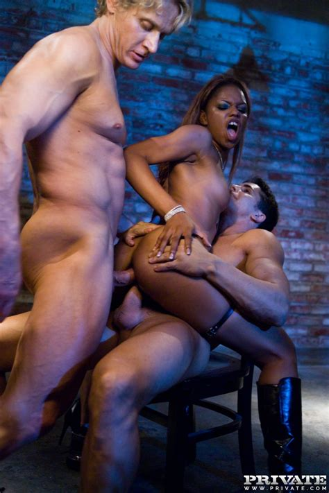 Sexy ebony Marie Luv is dped by two big white cocks ...