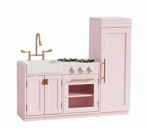 5 amazing children39s play kitchens their benefits With chelsea kitchen pottery barn