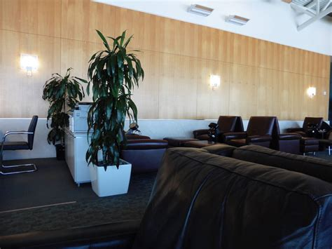 American Airlines Executive Platinum Desk Mexico by How To Get Into Every Airport Lounge