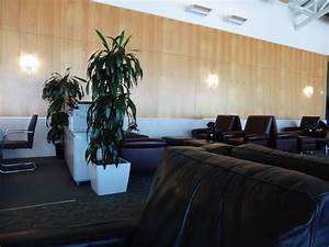 How to Get Into Every Airport Lounge