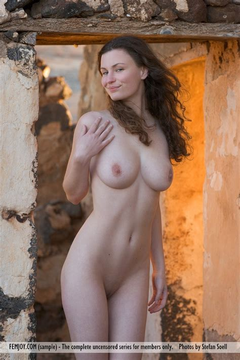 Euro Babes DB » Sexy German Woman Nude