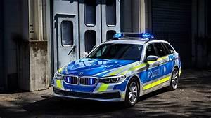 Wallpaper BMW 530d xDrive, police, cars 2017, 4k, Cars