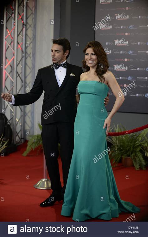 eugenio derbez and his wife alessandra rosaldo eugenio derbez stock photos