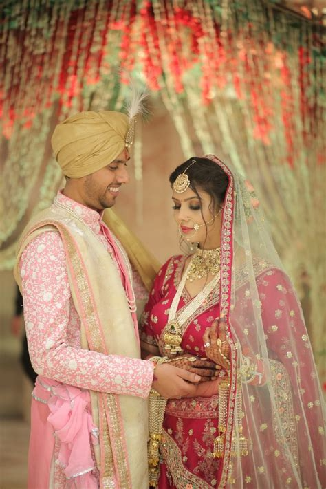 Lihat ide lainnya tentang gaya model pakaian, model pakaian, pakaian. Pretty in Pink! This Couple Color Coordinated Their Wedding Dresses Perfectly! - India's Wedding ...