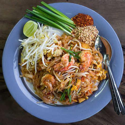 cuisine thailandaise recettes faciles pad thaï la recette des nouilles sautées thaïlandaise