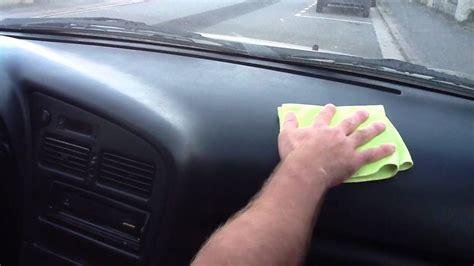 nettoyer si鑒es voiture nettoyer plastiques intérieurs de la voiture astuce auto nettoyage intérieur facile