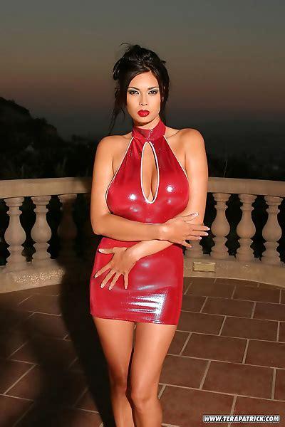 Sexy Asian Pornstar Tera Patrick Posing In Latex Dress