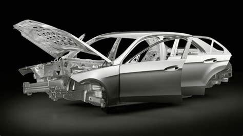 2014 Mercedes-benz E-class Airbags To Protect The Occupants