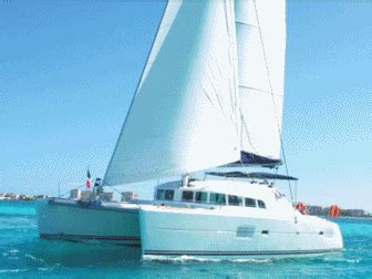 Catamaran Gif by Sail By Catamaran To Isla Mujeres Cancun