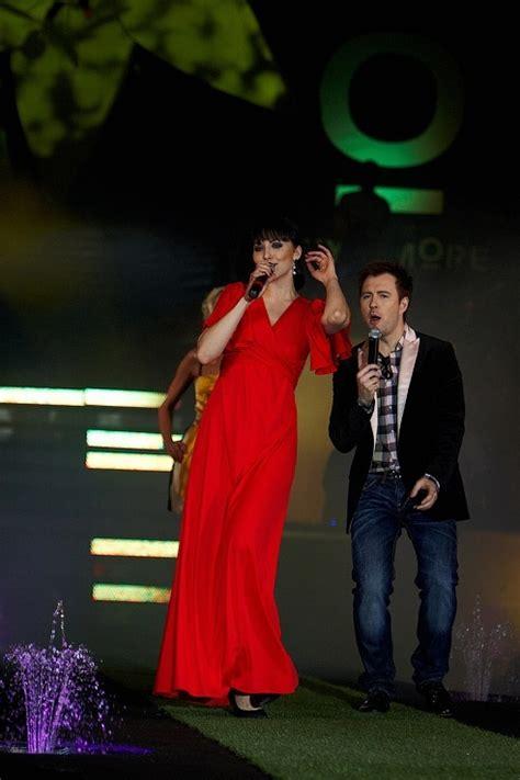 Riga Fashion Mood & More noslēguma šovā dzied un jaunākās modes demonstrē Liene Candy, Amber un ...