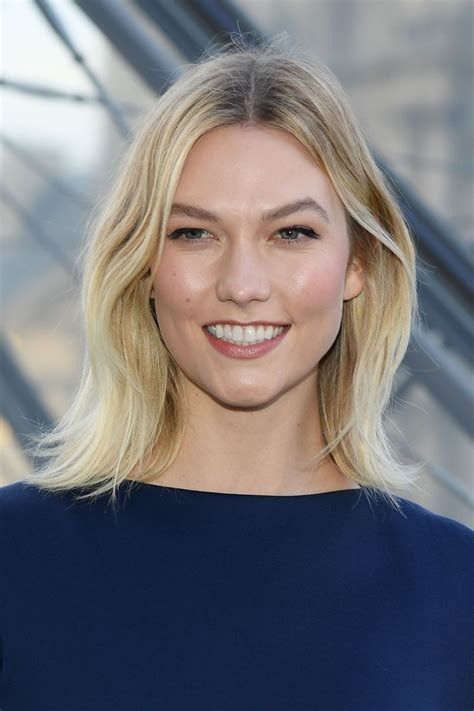 Karlie Kloss Louis Vuitton Fashion Show Paris