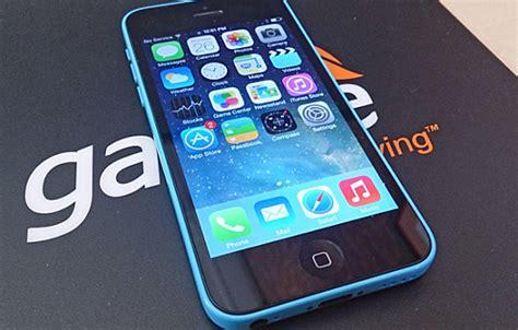 gazelle iphone apple iphone 5c review familiar but different