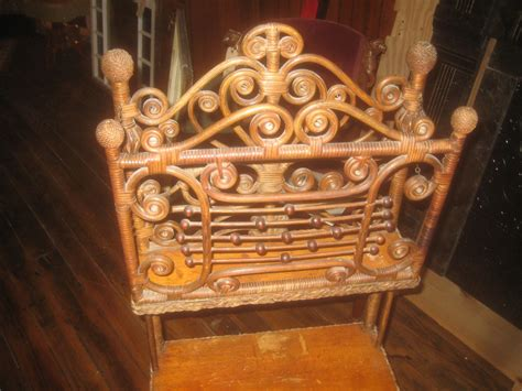 Rare Heywood Wakefield Victorian Music Stand/etagere For
