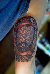 Traditional tattoo. With a twist. Life aquatic's Zissou ...