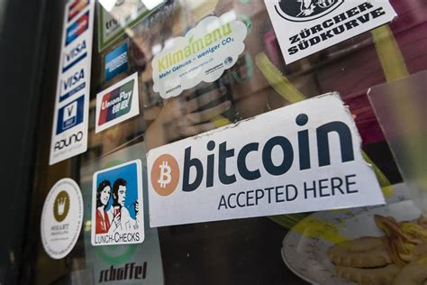 A distributed, worldwide, decentralized digital money. Bitcoin 101: Beginner's Guide to Bitcoin - Income Insider