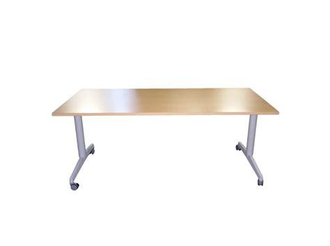 bureau à roulettes table pliante à roulettes adopte un bureau