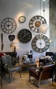 Horloge Murale Industrielle : 1000 id es sur le th me horloges murales sur pinterest horloges horloges anciennes et horloge ~ Teatrodelosmanantiales.com Idées de Décoration