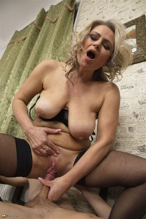 Naughty Mature Porn Pictures Pic Of