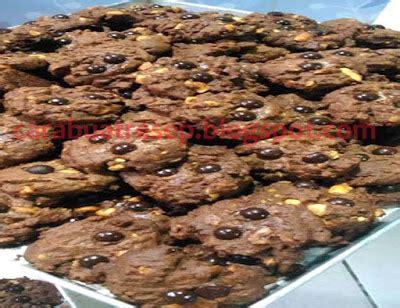 membuat coklat chips cookies resep masakan indonesia