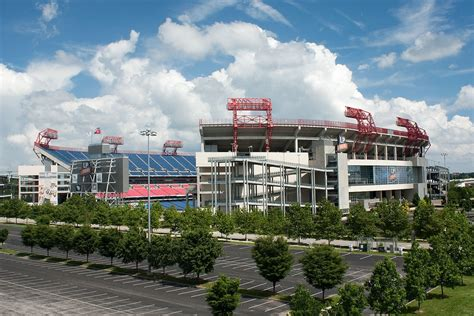 Nissan Stadium - Wikipedia