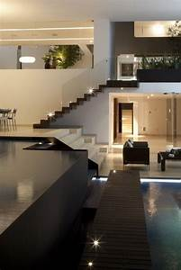 Cool Contemporary And Luxury House Designs Uk