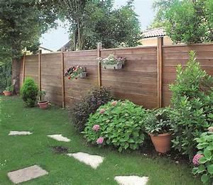tutoriel comment poser une palissade en bois palissade With exceptional amenagement terrasse et jardin 9 pose des palissades dans le beton palissade