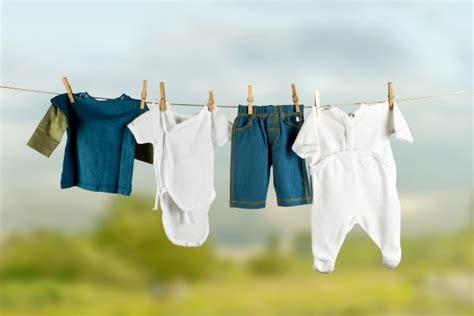 Les Indispensables De La Garderobe De Bébé  Vêtements, Bodie