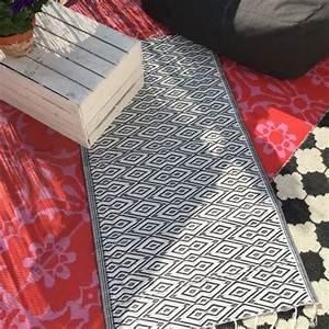 Outdoor Teppich Schwarz Weiß : in outdoor teppich schwarz wei ~ Frokenaadalensverden.com Haus und Dekorationen