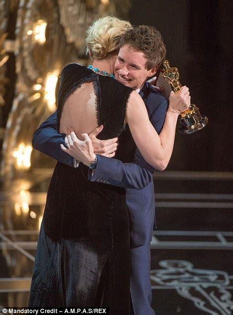 eddie redmayne wins  acting oscar   academy