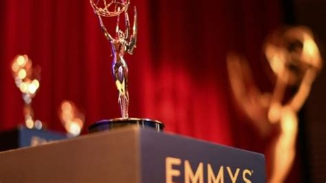 emmy awards game  thrones series breaks record