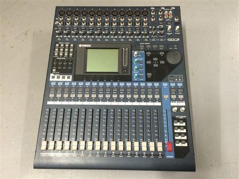 Digital Audio Console by Yamaha 01v96 Digital Audio Console 10kused