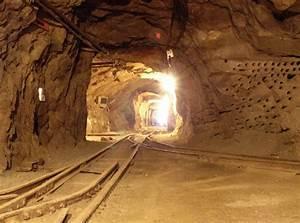 Deep Underground  Smartphones Can Save Miners U0026 39  Lives