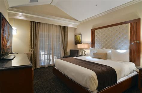 Hotel Rooms With Two Bedrooms