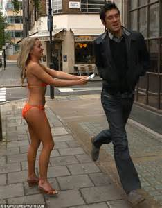 Tess Daly and Vernon Kay do a his and her shrinking act ...